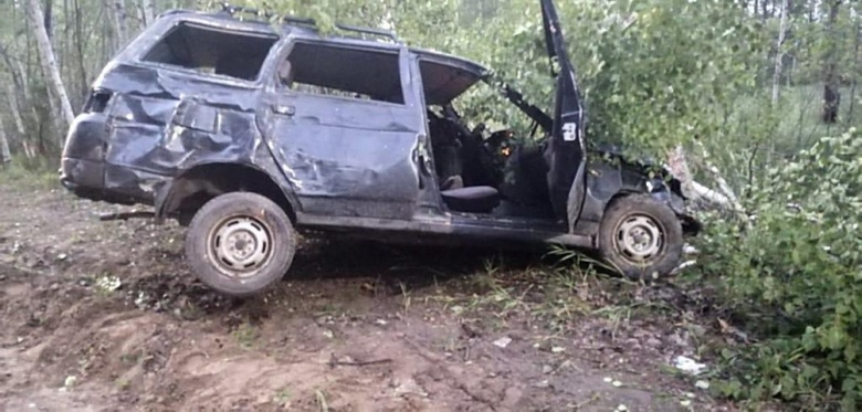 Автомобиль ВАЗ опрокинулся на томской трассе. Погиб пассажир