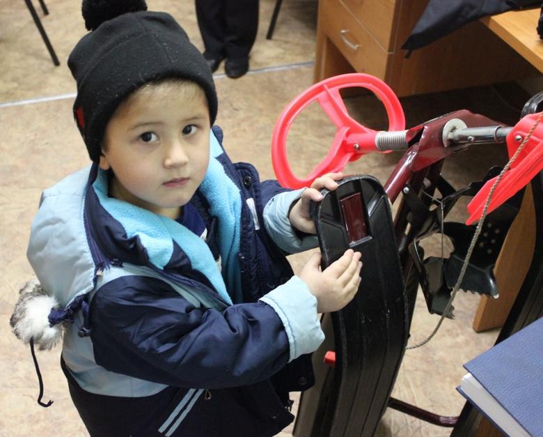 Полиция нашла родителей мальчика, который один гулял по Томску