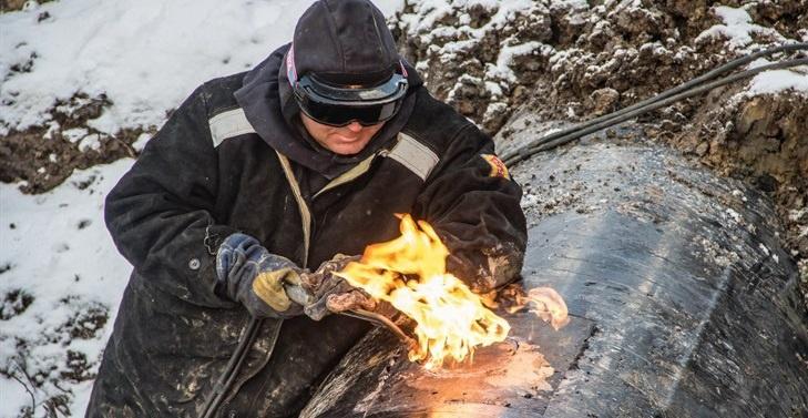 Работа томских газовиков в условиях сибирских морозов