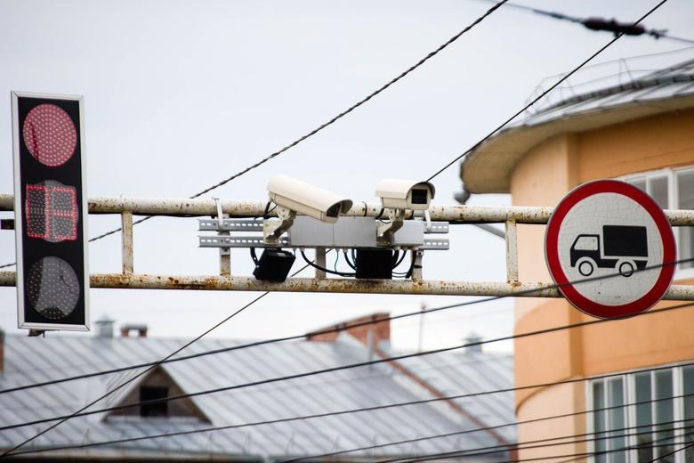 Камера в центре Томска будет «ловить» проезжающих на «красный» (фото)