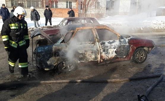 Авто загорелось после ДТП в Томске