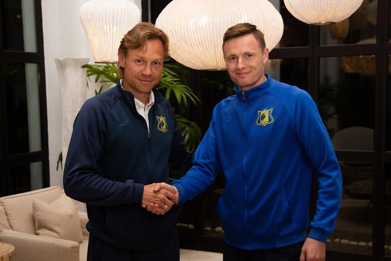 главный тренер «Ростова» Валерий Карпин и Евгений Чернов
