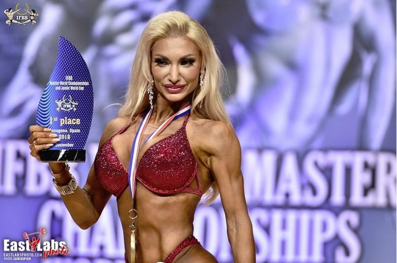 Томичка завоевала золото на чемпионате Мира по бодибилдингу и фитнесу