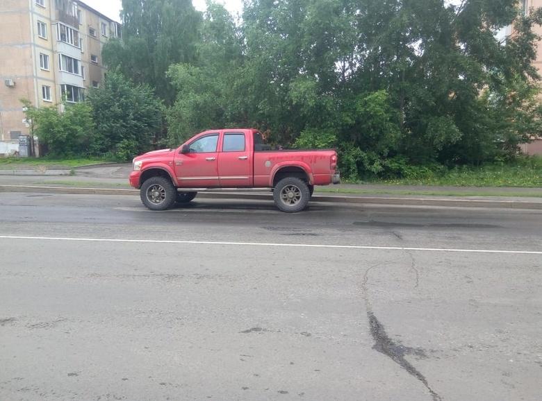 Пикап сбил пожилого пешехода в Томске