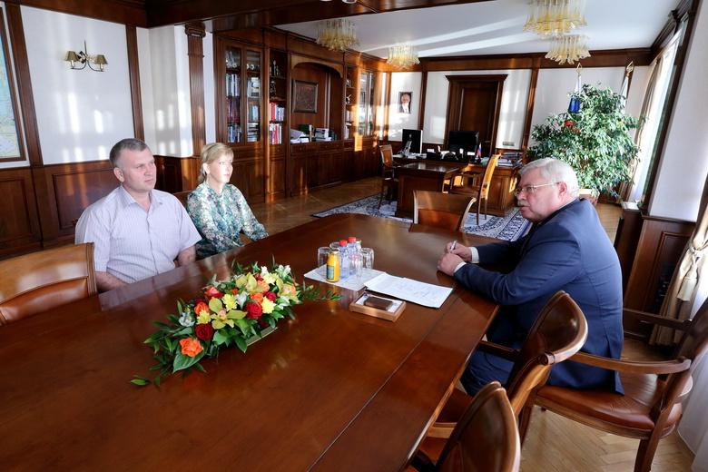 Жвачкин извинился за черствость чиновников перед томичкой, которая обратилась к Путину
