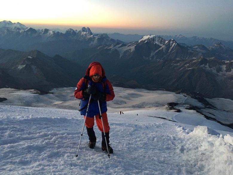 Слепой томич с напарником покорили вершину Эльбруса