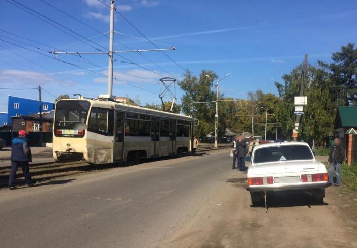 В Томске трамвай сбил гулявшего по путям ребенка