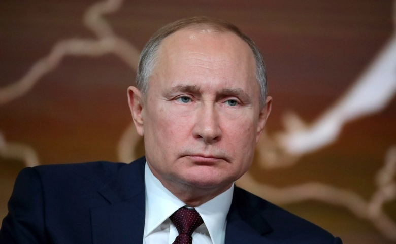 Госдума приняла закон, дающий Путину право претендовать еще на 2 президентских срока