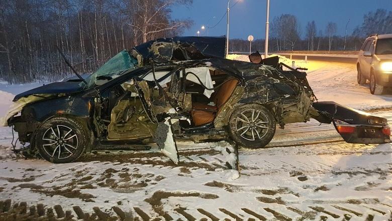 Автомобиль BlaBlaCar попал в ДТП по пути в Томск, двое погибли