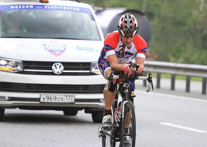 Две недели в седле: томич рассказал об участии в самой длинной велогонке в мире