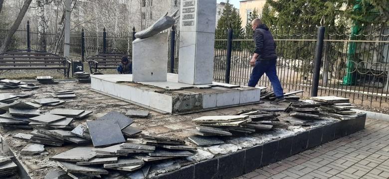 Стелу погибшим курсантам училища связи отремонтируют в Томске