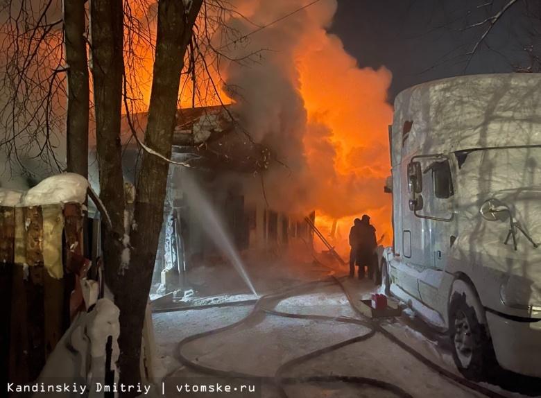 Частный жилой дом сгорел в новогоднюю ночь в Томске