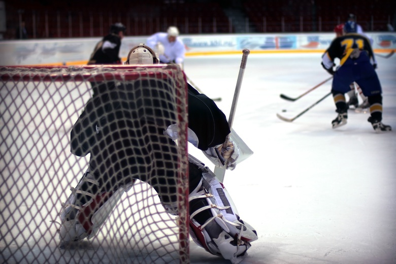 Российская молодежка по хоккею разгромно проиграла Канаде и будет бороться за 3 место