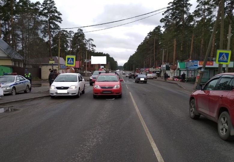 Пенсионер за рулем иномарки сбил двух детей на пешеходном переходе под Томском