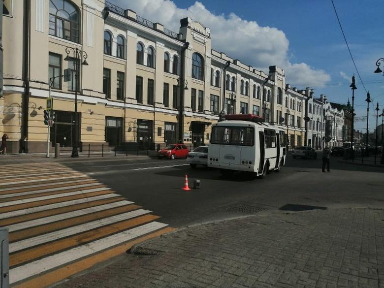 Маршрутка сбила пешехода в центре Томска