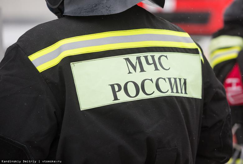 В Томске на улице Лермонтова ночью сгорело авто