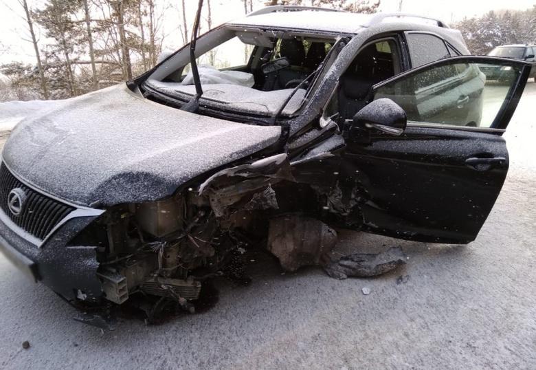 Пенсионер на Lexus спровоцировал ДТП с 3 машинами под Томском
