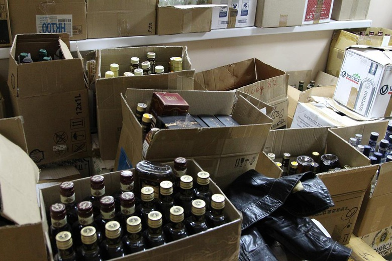 Из магазина в Томске изъяли 2,5 тыс бутылок алкоголя без лицензии