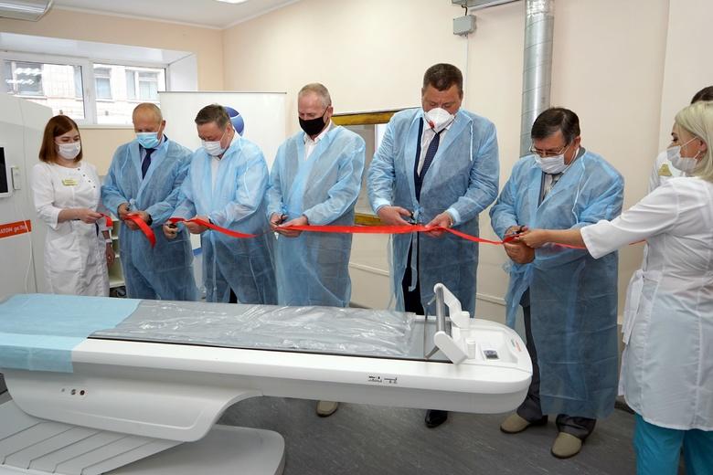 Новый томограф запустили в работу в Северской клинической больнице