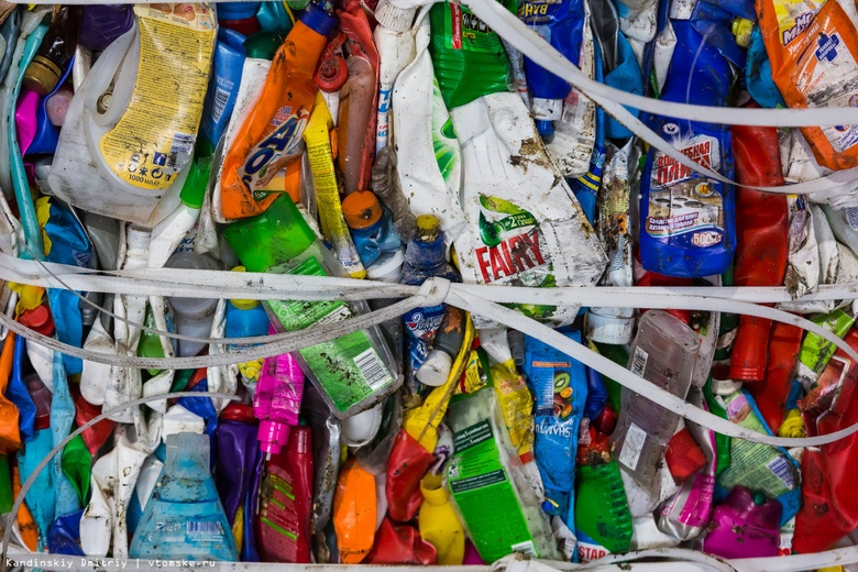 Из томских дворов заберут все оранжевые сетки для раздельного сбора мусора