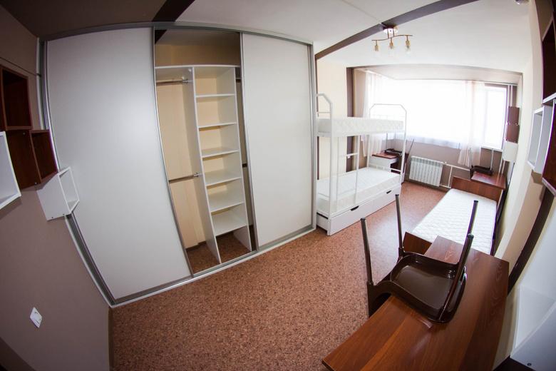 К 1 сентября все этажи общежития на Буяновском смогут принять студентов (фото)