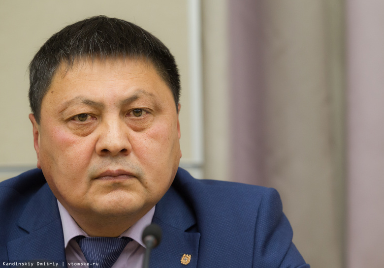 Замгубернаторы Чингис Акатаев иМихаил Сонькин подали вотставку