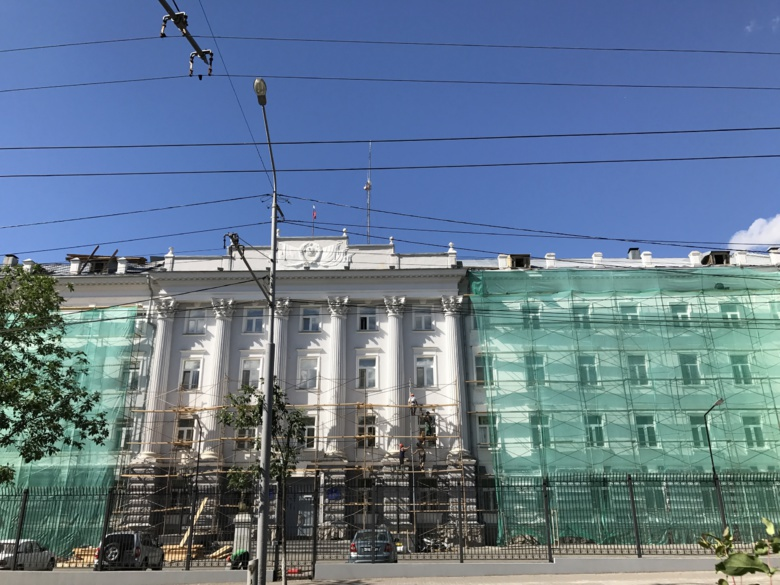 Томича увезли в полицию после одиночного пикета у здания ФСБ в Томске