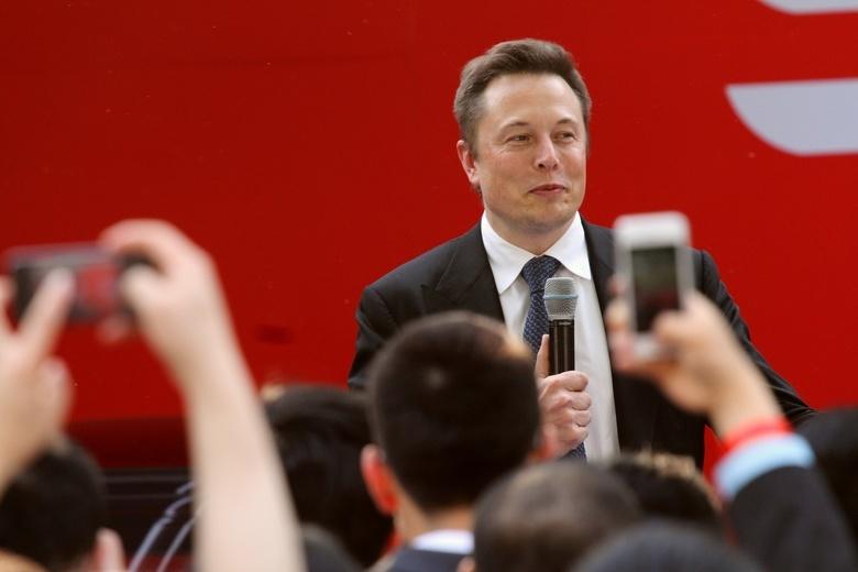 Илон Маск отказался прививаться от COVID