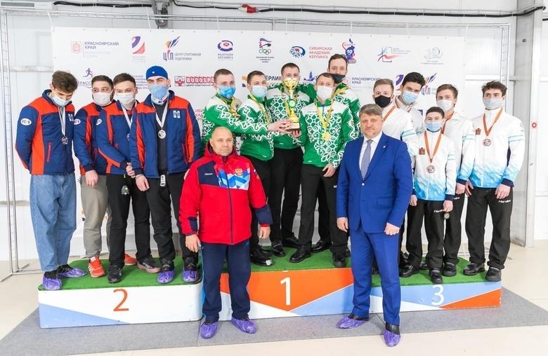 Томские керлингисты завоевали медали на чемпионате Сибири