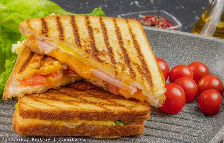 Готовить просто: превращаем яичницу в сэндвич