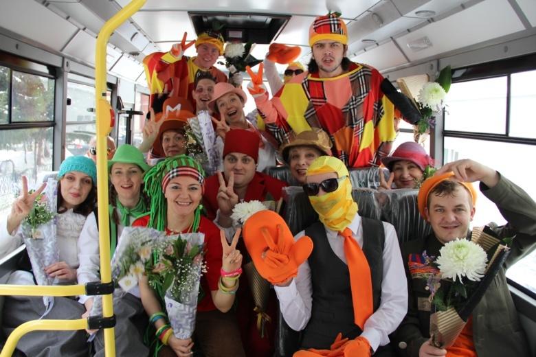 Детские театры Томска приобрели новые автобусы для гастролей