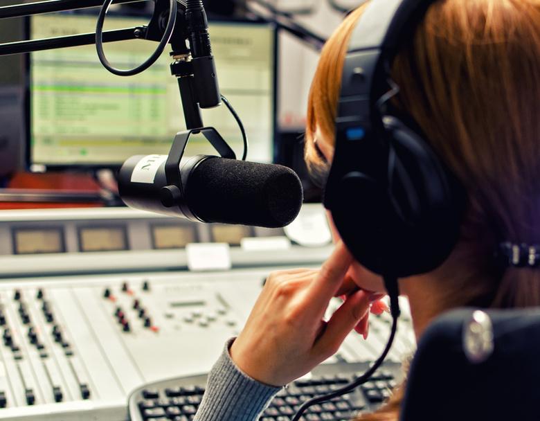 «Особенные» актеры презентуют аудиосказки, записанные ими для слепых томичей