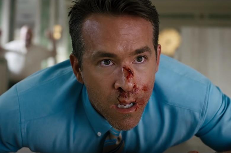 Что в кино: «Главный герой» с Рейнольдсом, триллер про слепого убийцу и «Аннетт»