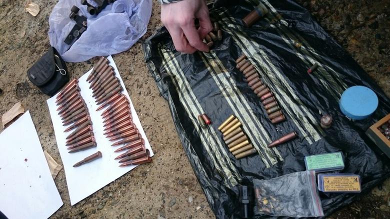 Трое жителей Томской области подозреваются в незаконном обороте оружия