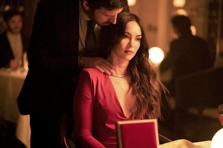 Что в кино: китайская супергероика Marvel, западня для Меган Фокс и «Нефутбол»