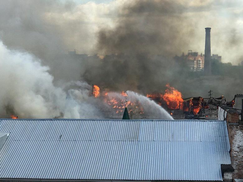 В Томске осужденные эвакуированы из-за пожара в тюремной школе и бане