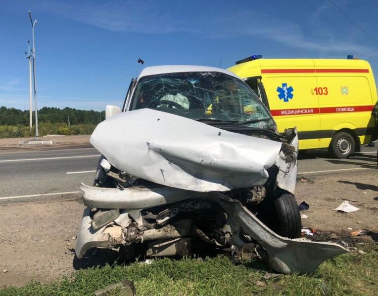 ГИБДД Томска задержала грузовик, скрывшийся после аварии с 11 пострадавшими