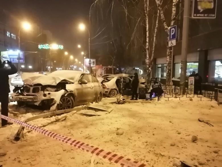 Водитель BMW пойдет под суд за смертельное ДТП на Фрунзе — Комсомольском