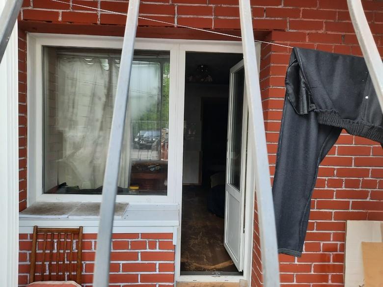 Томич попал в реанимацию после пожара в многоэтажке на Учебной
