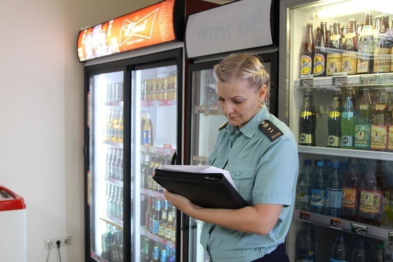Приставы арестовали у томского бизнесмена продуктовый магазин за долги