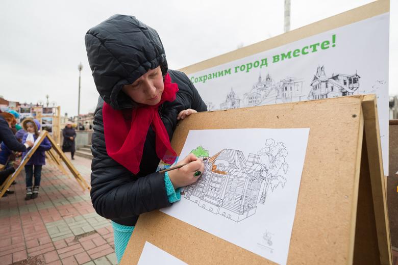 Томичи вышли на пикет в защиту деревянных домов-памятников