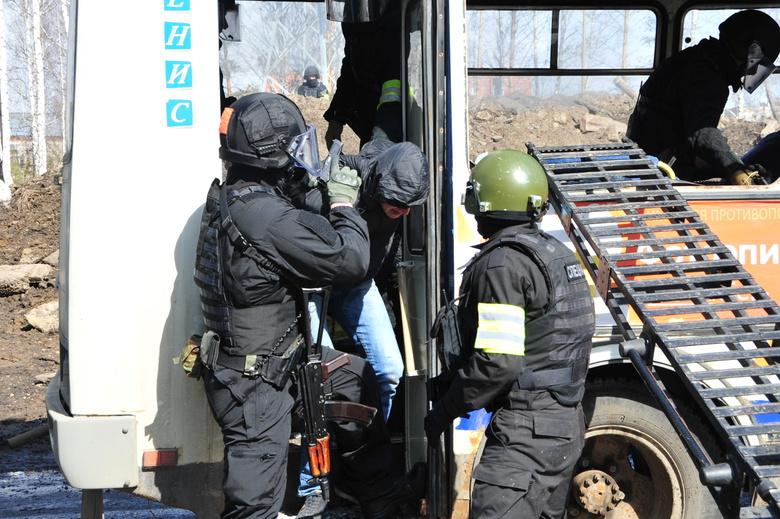 Томские силовики «спасли детей от террористов», захвативших автобус