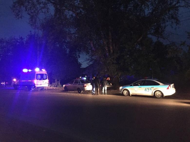 За рулем иномарки, в которой после наезда на дерево в Томске скончался пассажир был полицейский