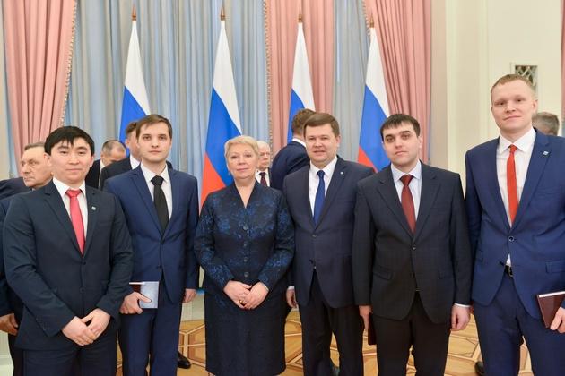 Министр образования вручила молодым ученым ТПУ премию Правительства РФ