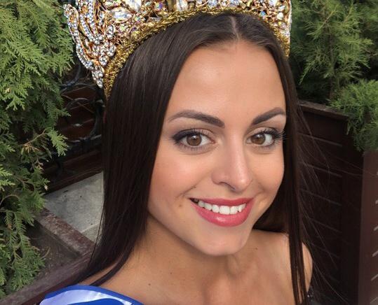 Томичка на конкурсе красоты завоевала титул «Миссис Россия — Европа»