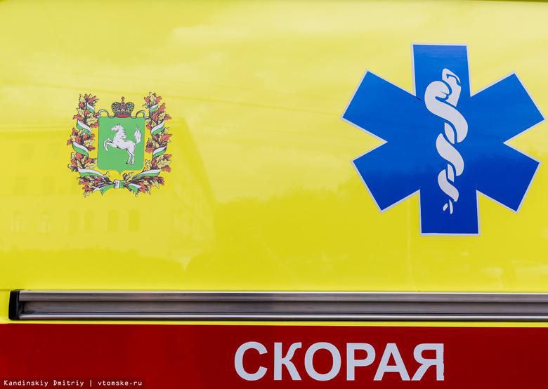 Nissan и Toyota столкнулись ночью в Томске, пострадали водители