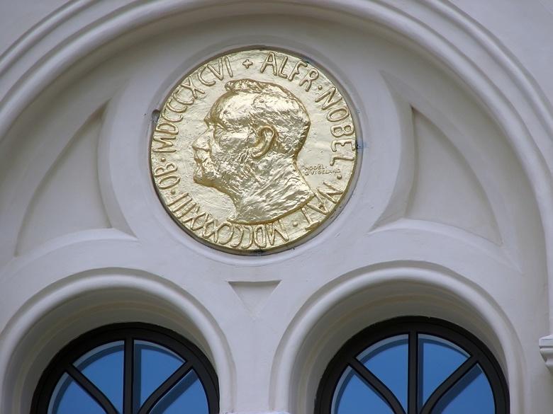Нобелевская премия по химии присуждена за открытие литий-ионных батарей