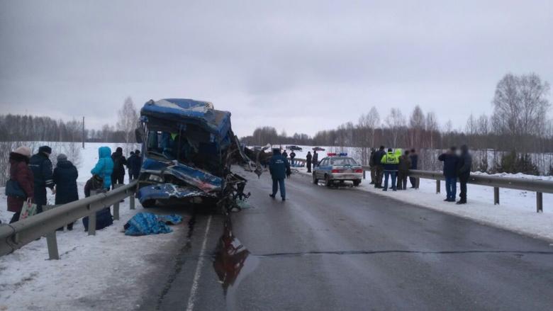 Пассажиры попавшего в ДТП автобуса в Томской области получат страховые выплаты