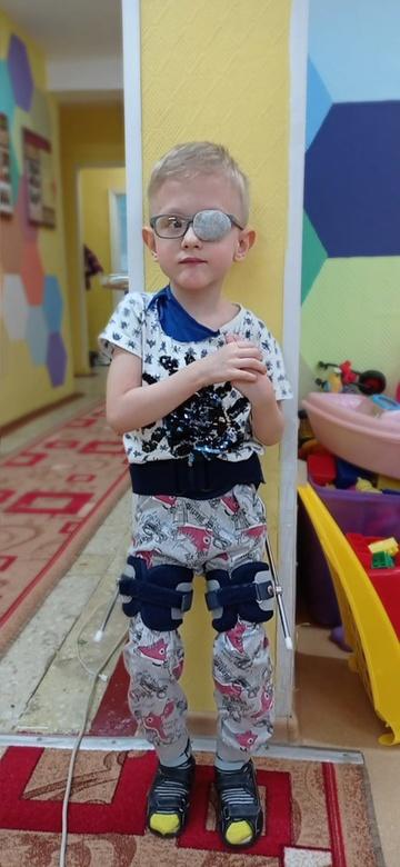 Томичей просят помочь пятилетнему мальчику с ДЦП
