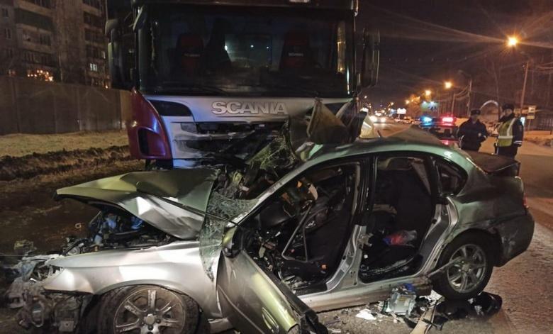 Водитель «легковушки» погиб, врезавшись в самосвал на Иркутском тракте в Томске